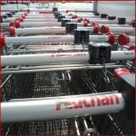 Auchan put pressure on Romanian manufacturers of canned food products